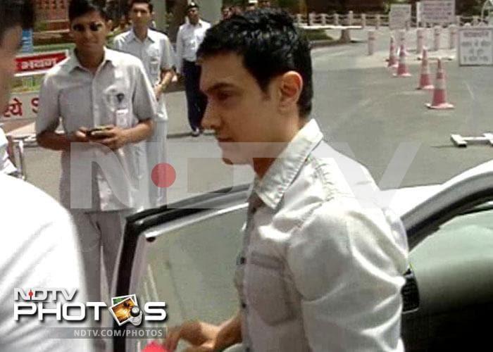 Aamir Khan arrives in Parliament to meet panel