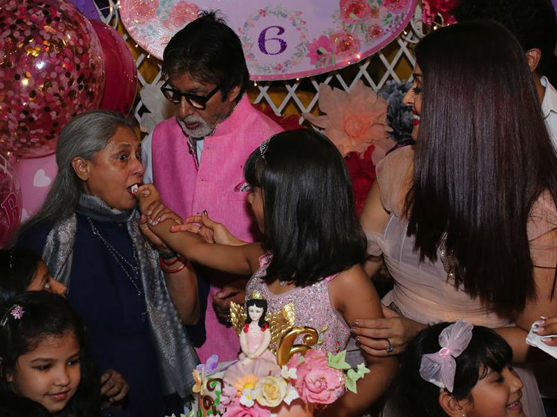 7 Fabulous Inside Pics From Aaradhya's Birthday Party