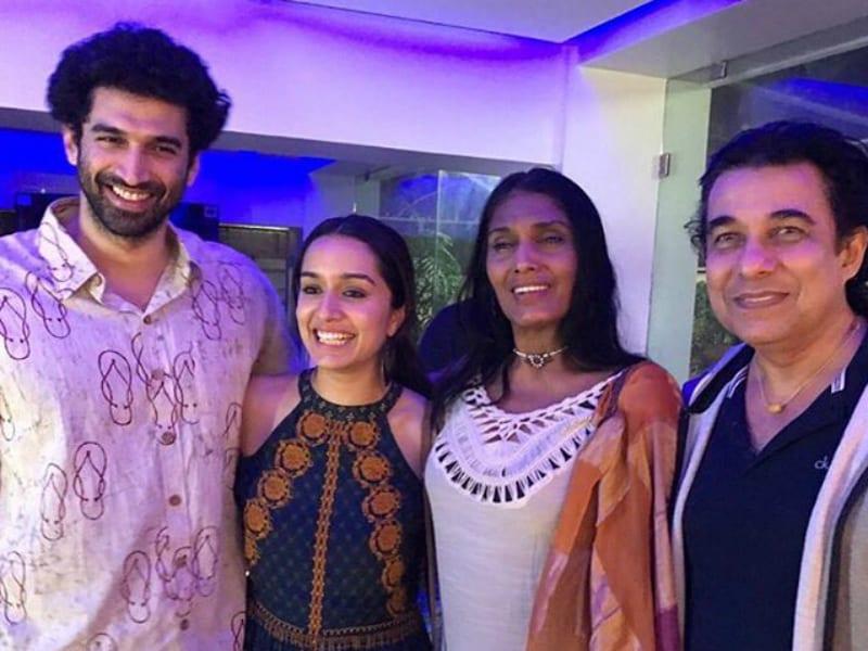 Remember Anu Agarwal? The Original Aashiqui Team Reunites
