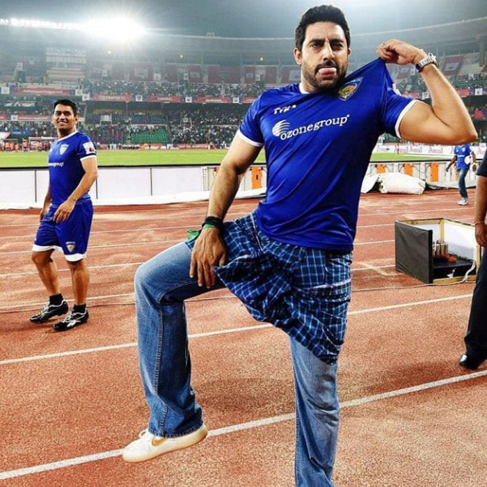 Love Over Football: Ash, Abhishek