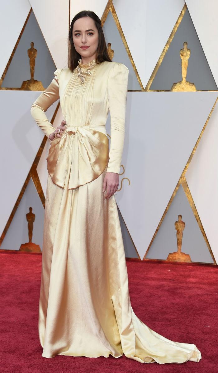 Oscars 2017 Red Carpet: Emma Stone, Priyanka Chopra Are Winning Hearts