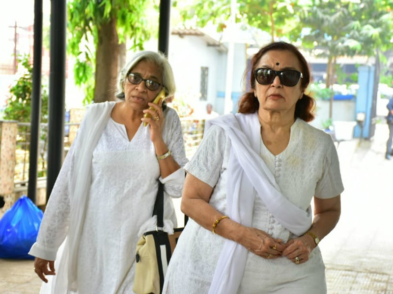 Asha Parekh And Others At Actress Shammi's Funeral