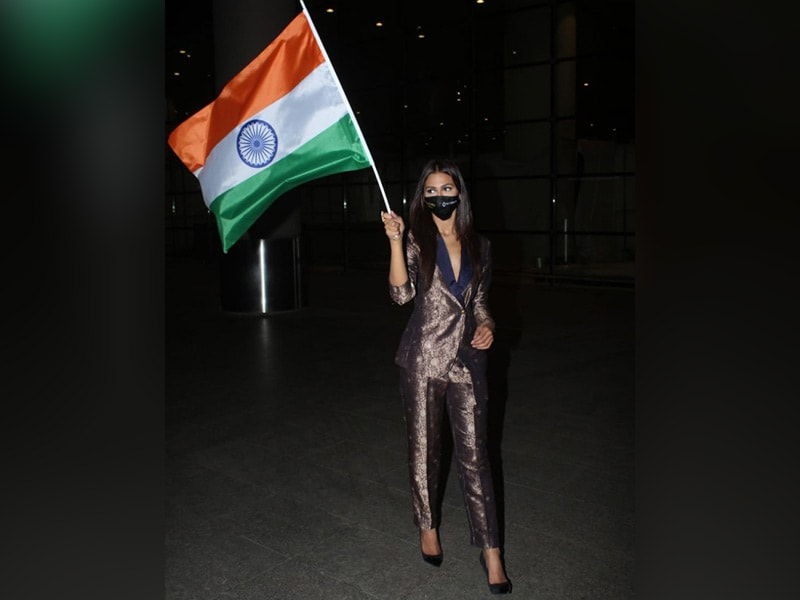 Photo : Miss Universe Runner-Up Adline Castelino Returns To India After Her Big Win