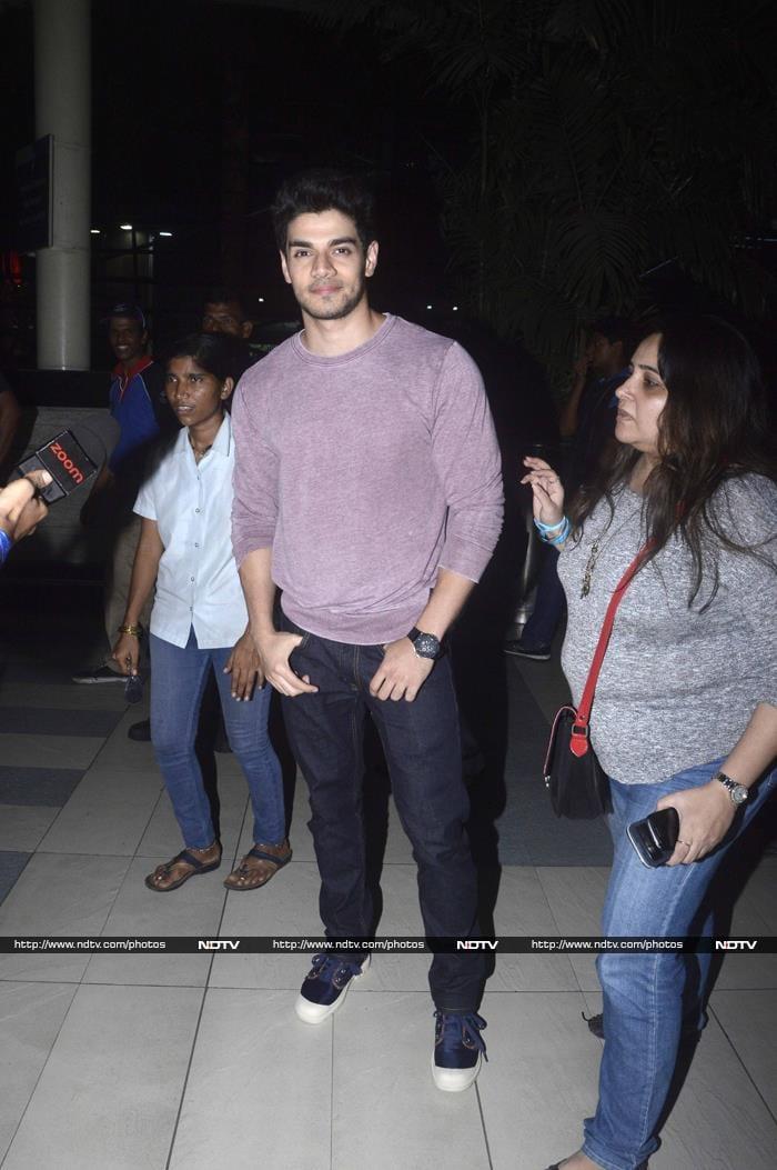 At the Airport: Kangana, Sridevi, Jacqueline