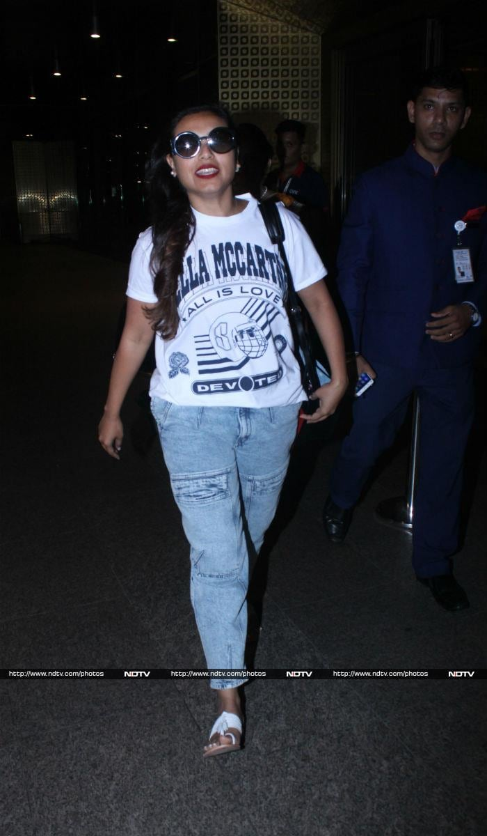 Deepika\'s Smart And Chic Airport Fashion Is On Point
