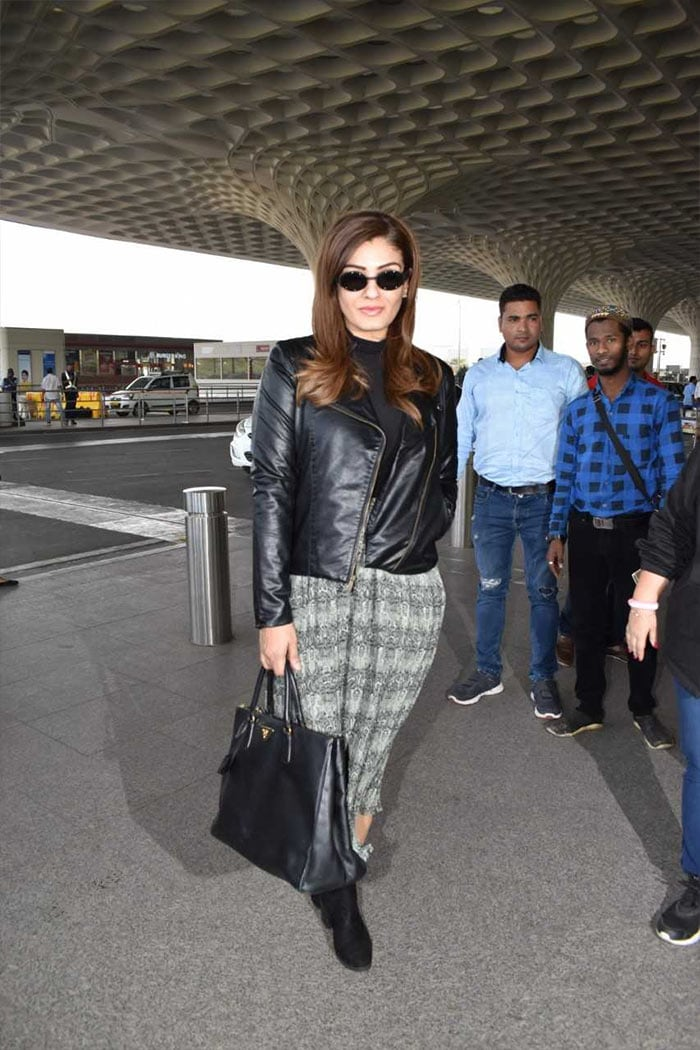 मुंबई एयरपोर्ट पर इस अंदाज़ में दिखीं कंगना और आलिया