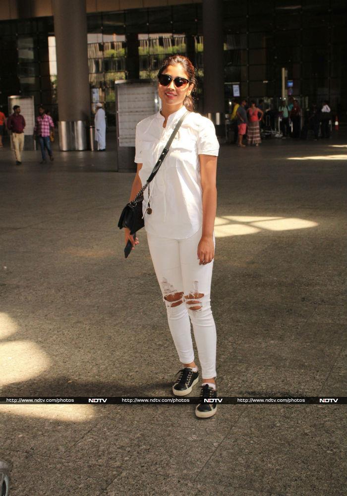 Spotted: Parineeti Chopra Looks Pretty In White