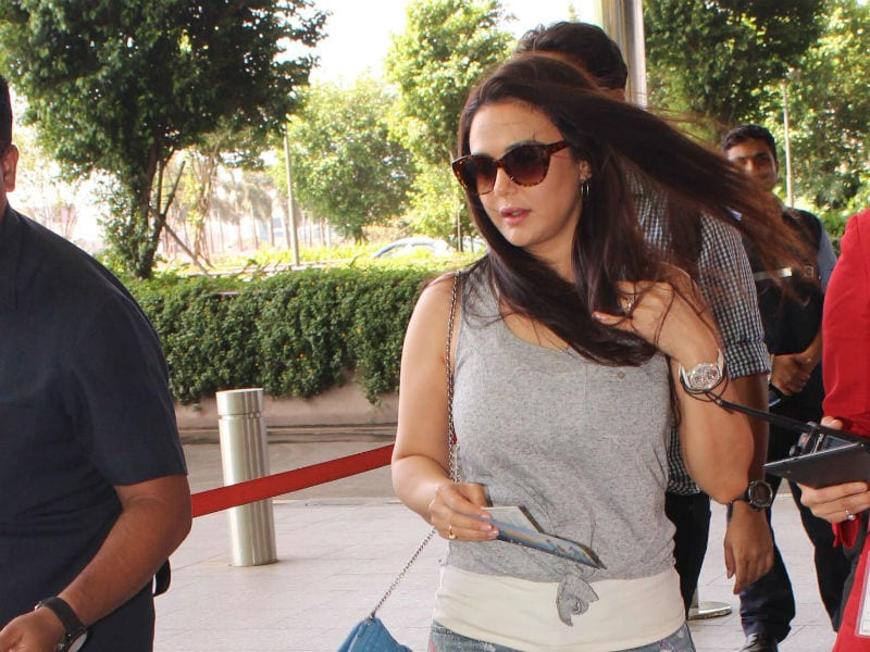 Preity Zinta Spotted Looking Pretty At The Airport