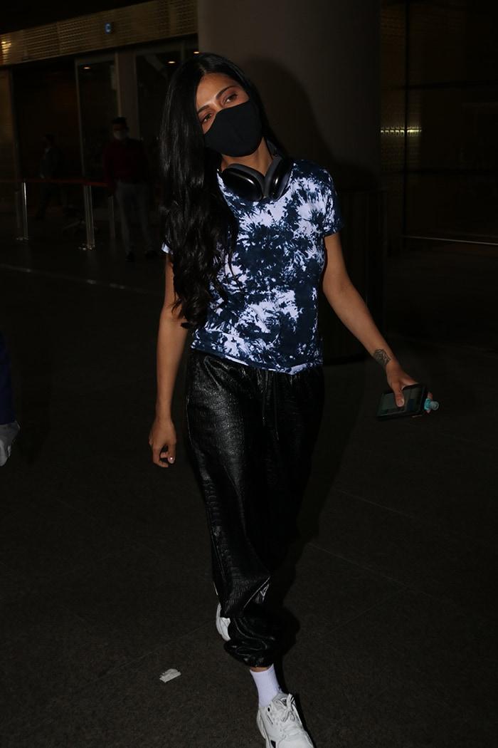 Mumbai Saga: Alia Bhatt In, Deepika Padukone Out