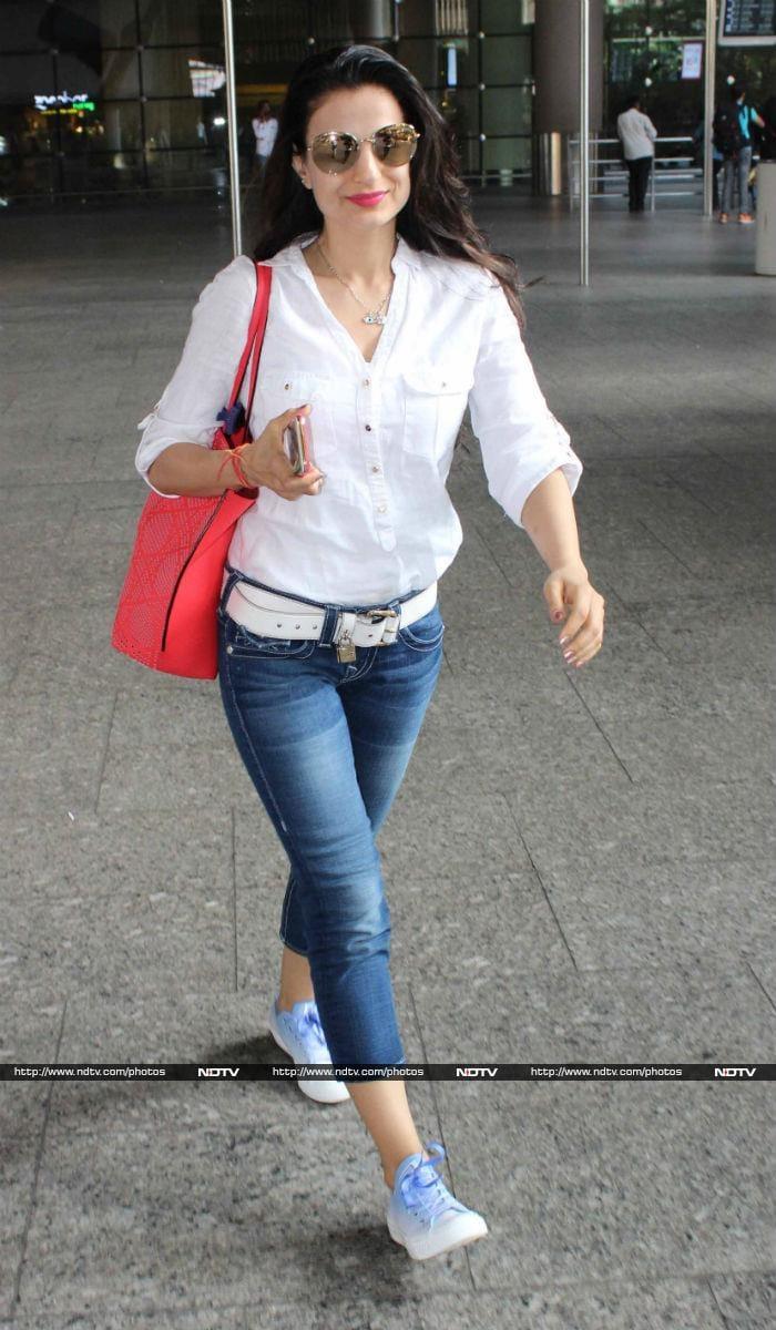A Superstarry Airport With Salman Khan, Sridevi, Karisma