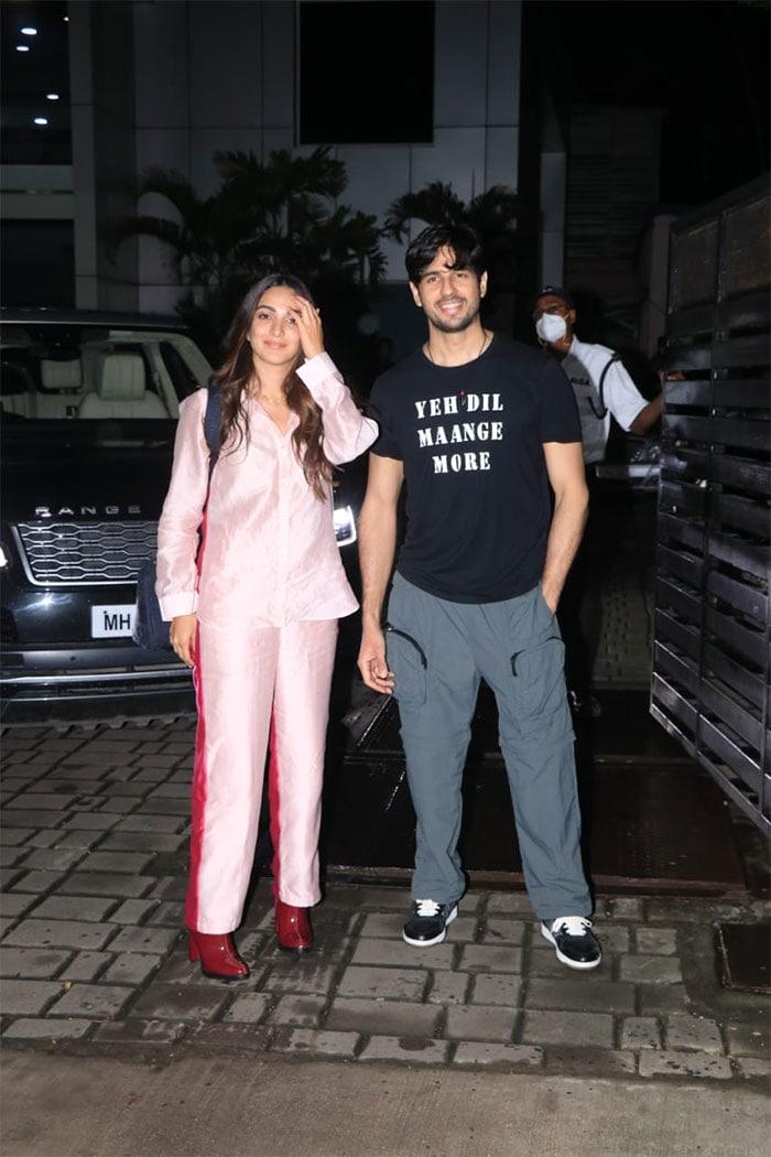 Sidharth Malhotra And Kiara Advani Return From Kargil