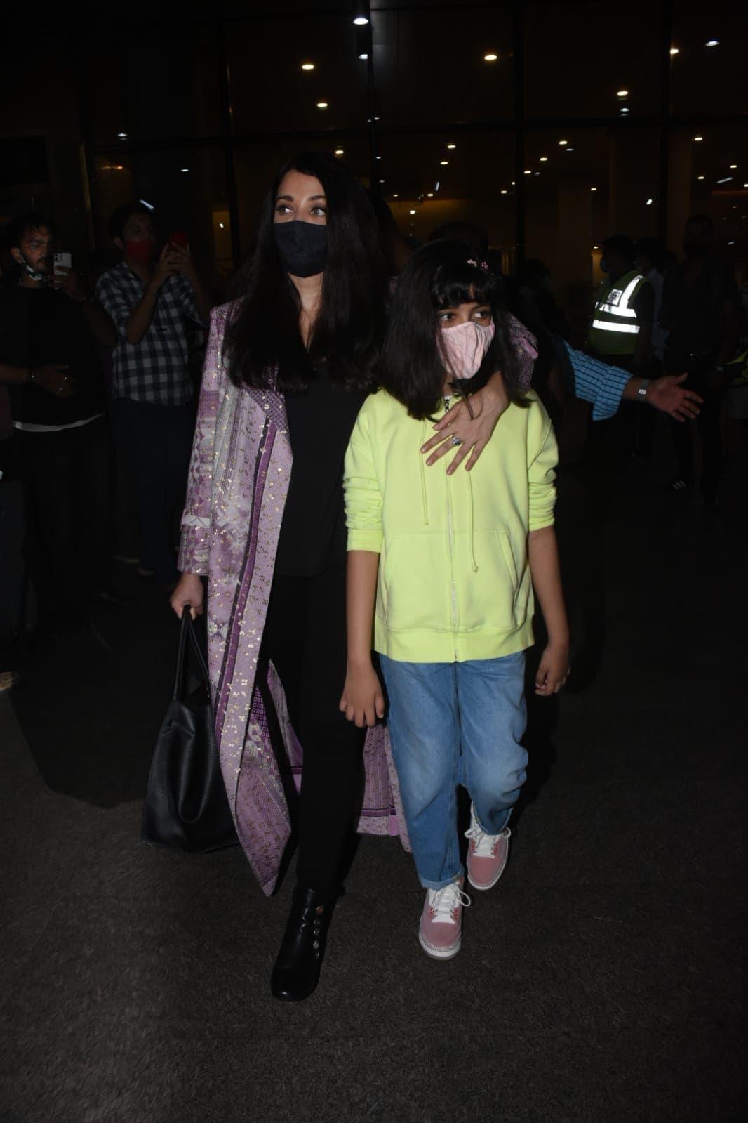 Aishwarya, Aaradhya And Abhishek Touch Down In Mumbai In Time For Amitabh Bachchan\'s Birthday
