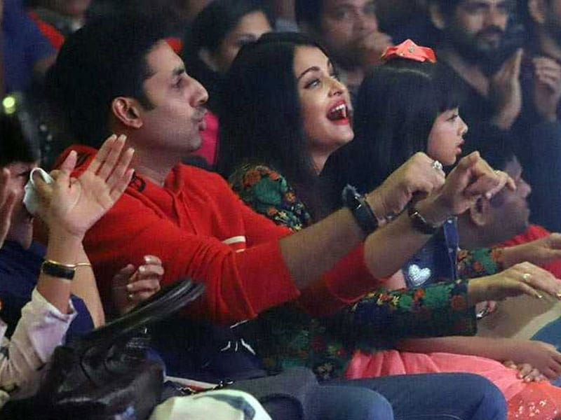 Aishwarya-Abhishek Cheer For Aaradhya At Shiamak Davar's  Show