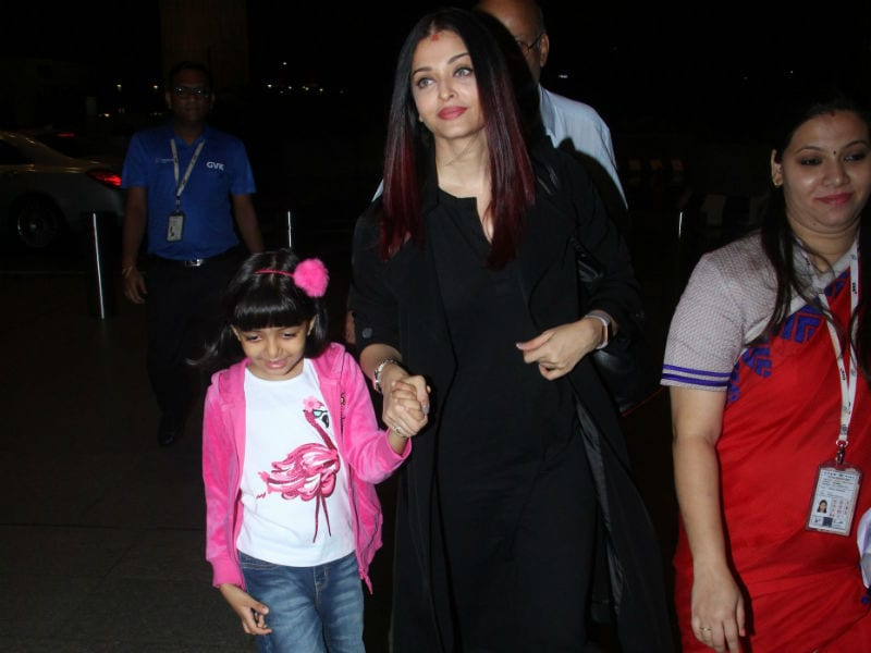 Photo : अराध्या के साथ ये कहां की सैर पर निकलीं हैं ऐश्वर्या राय बच्चन....