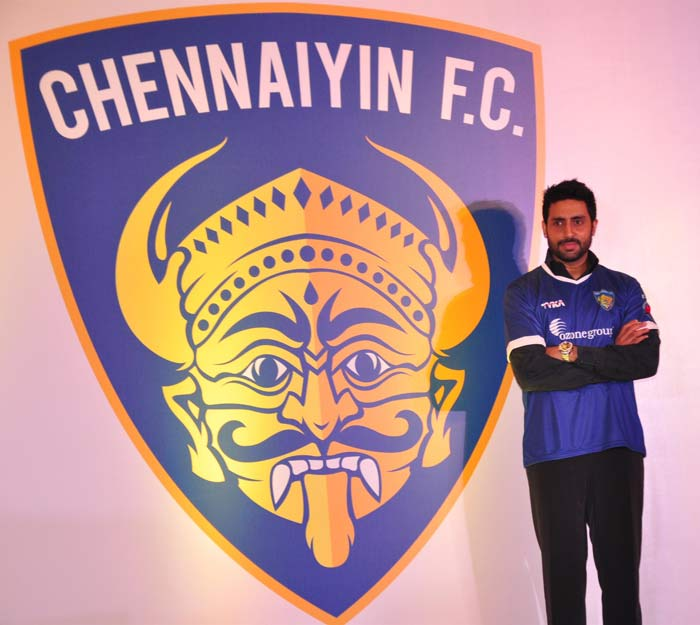 Abhishek Bachchan Plays With Chennaiyin FC Colours