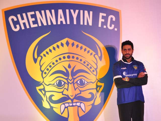 Abhishek Bachchan Plays With Chennaiyin FC Colours