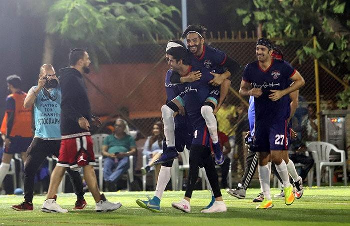Aishwarya And Aaradhya Cheer For Abhishek During Football Match