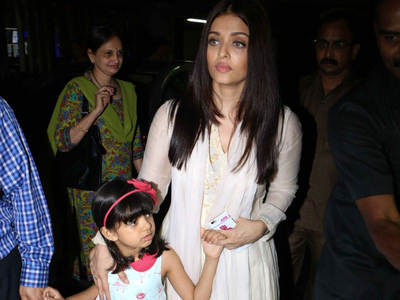 Aishwarya Returns To Mumbai With Aaradhya