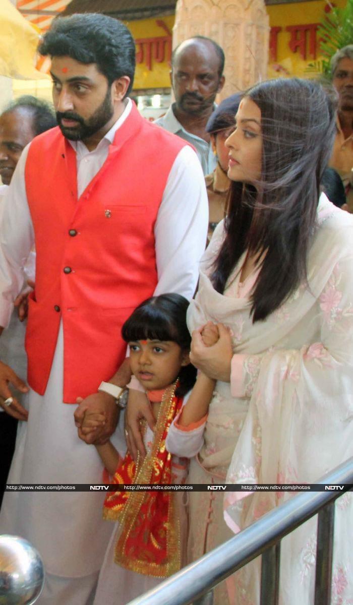 Aishwarya, Abhishek Visit Siddhivinayak Temple With Aaradhya On Wedding Anniversary