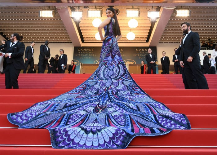 The Return Of Aishwarya On Cannes Red Carpet. Wow