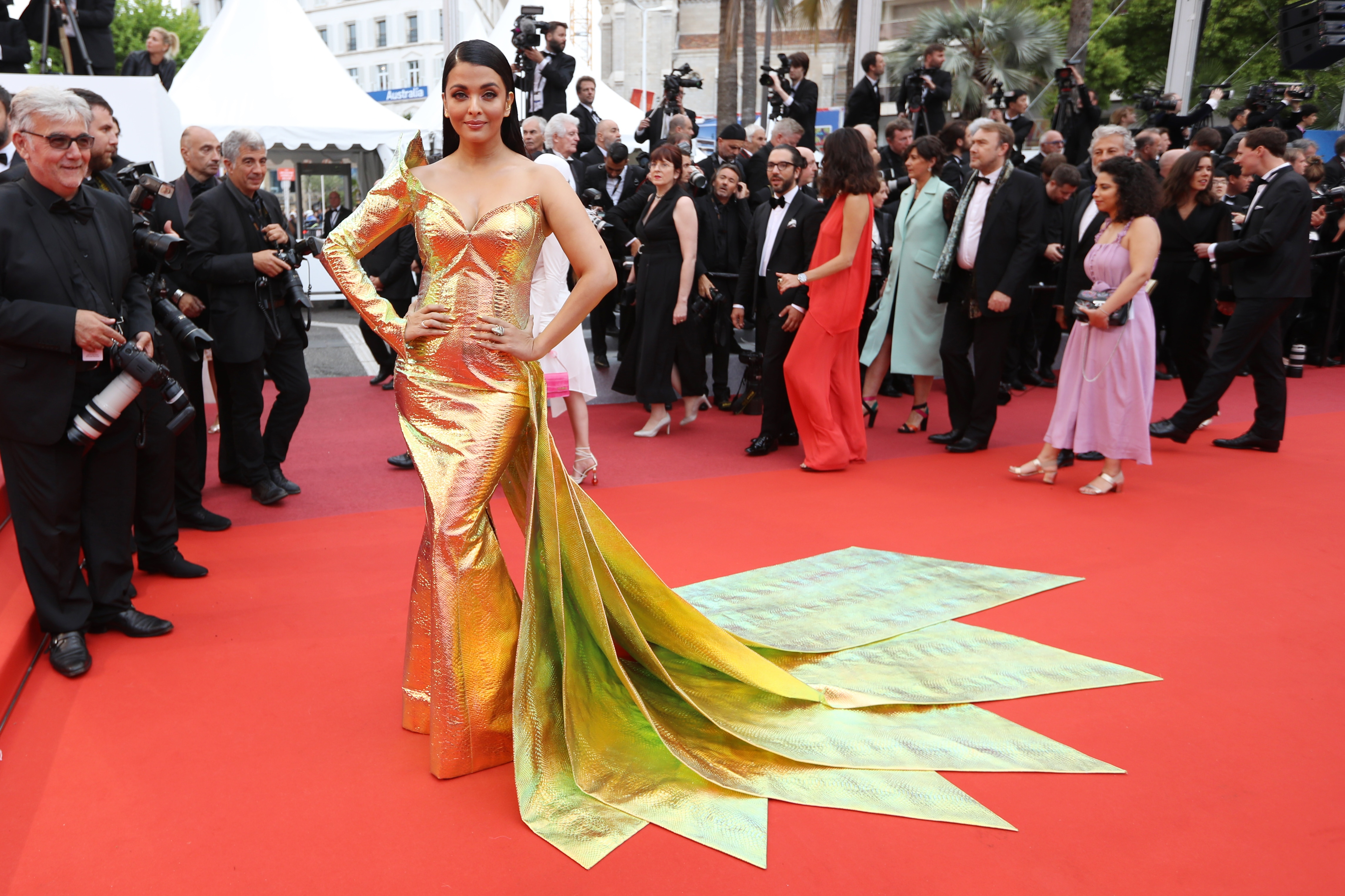 Aishwarya Rai Bachchan Brighter Than The French Riviera Sun On Cannes Red Carpet