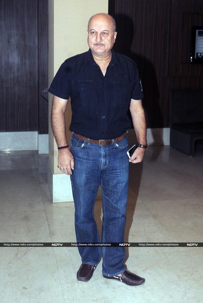 Aishwarya Goes to Office