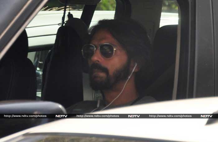 Sushant\'s Rickshaw, Mr & Mrs Bachchan and Cover Girl Aditi
