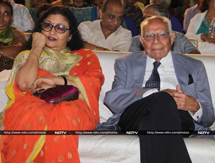 TV Stars and a Lawyer at Hum Log Awards
