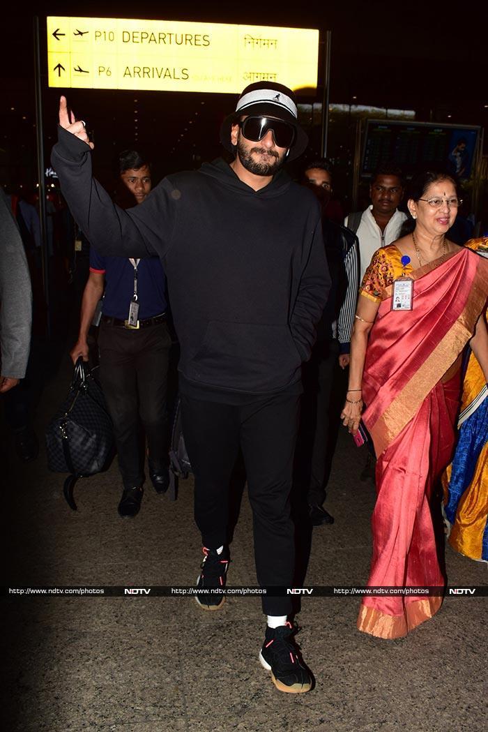 एयरपोर्ट पर स्टाइलिश अंदाज में नजर आईं ऐश्वर्या राय बच्चन, देखें तस्वीरें...