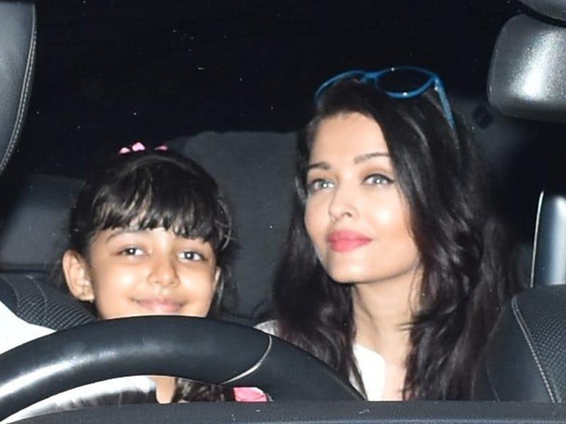 Aishwarya Rai Bachchan And Daughter Aaradhya's Day Out