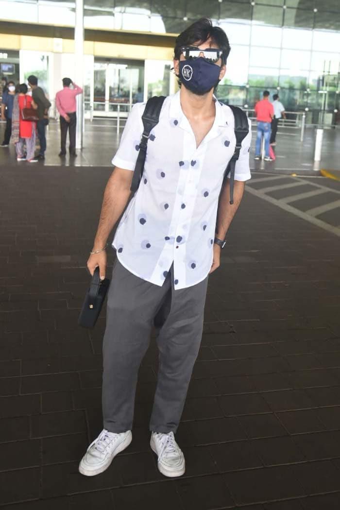Jet, Set, Go: Himansh Kohli And Akanksha Puri Fly Off To Srinagar