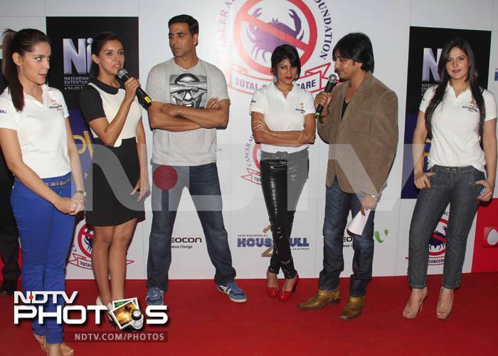 Akshay Kumar promotes cause