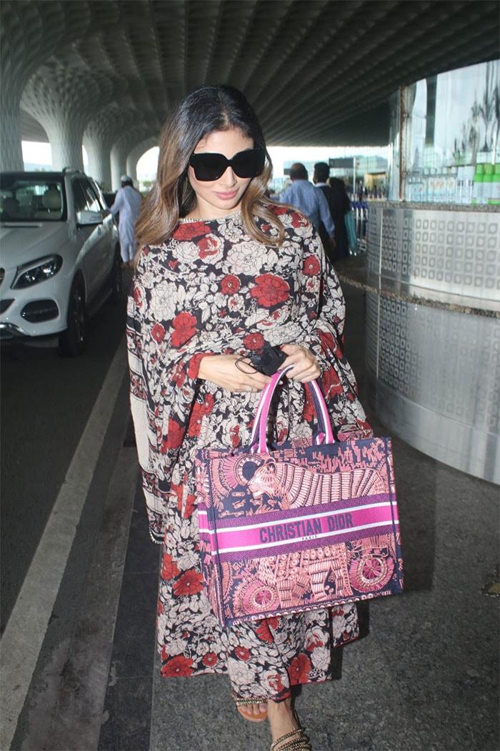 Akshay Kumar Flies To Mumbai From London