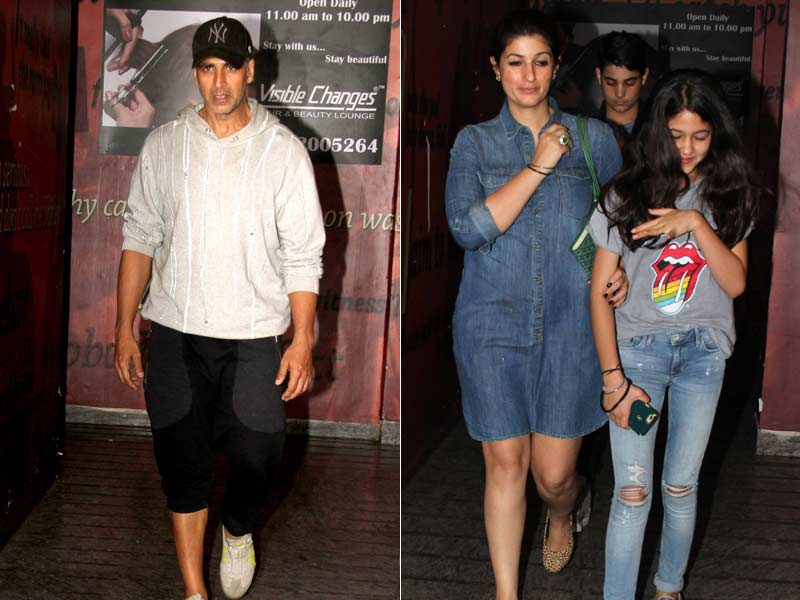 Photo : Sunday With Family: Akshay, Twinkle and Aarav Spotted at a Movie Theatre