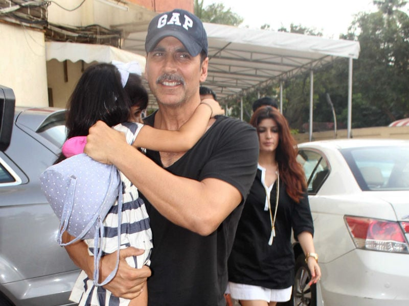 Akshay's Movie Date With Twinkle and Daughter Nitara