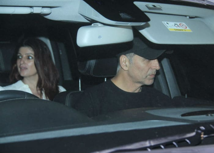 Twinkle And Akshay, Shahid And Mira Begin The Week With Dinner Dates