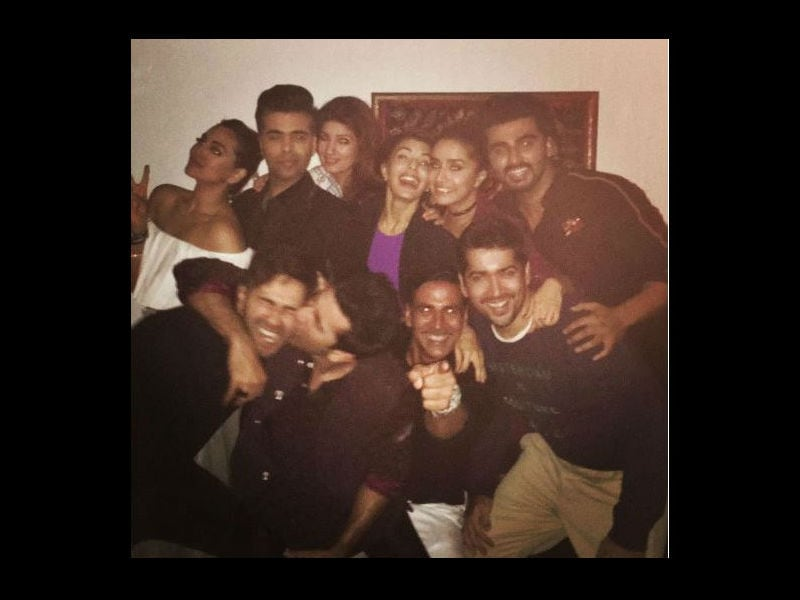 Photo : Inside Pics From Akshay Kumar's Party Thrown for Will Smith