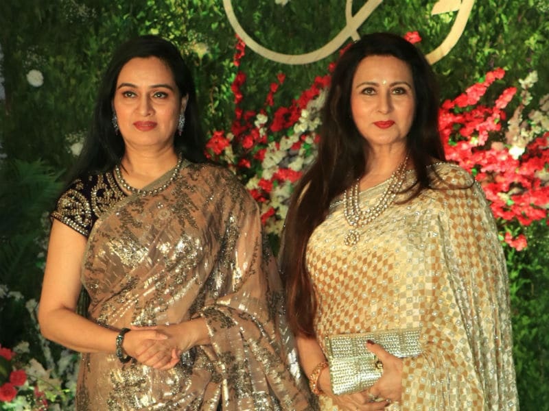Padmini Kolhapure, Poonam Dhillon, Amrita Rao Add Stardust To Bollywood Party