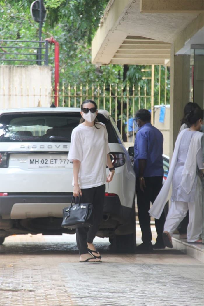 Karisma Kapoor was pictured in Khar.