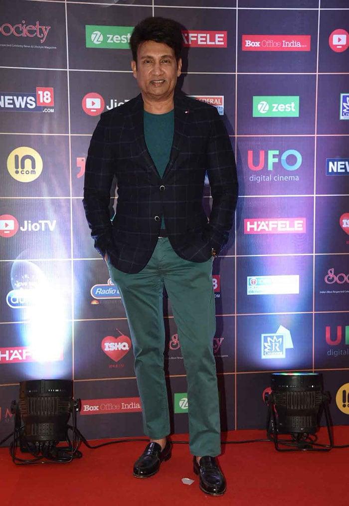 Alia Bhatt Makes Heads Turn At Network 18 Reel Awards