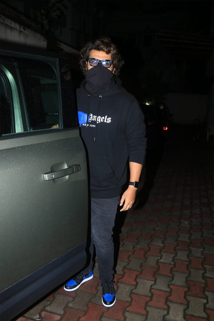 Arjun Kapoor was pictured outside film producer Ramesh Taurani\'s office.