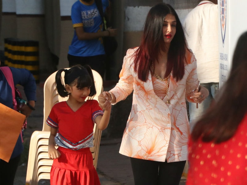 Aaradhya, AbRam, Kiaan Keep Their Parents Aishwarya, SRK, Karisma Busy