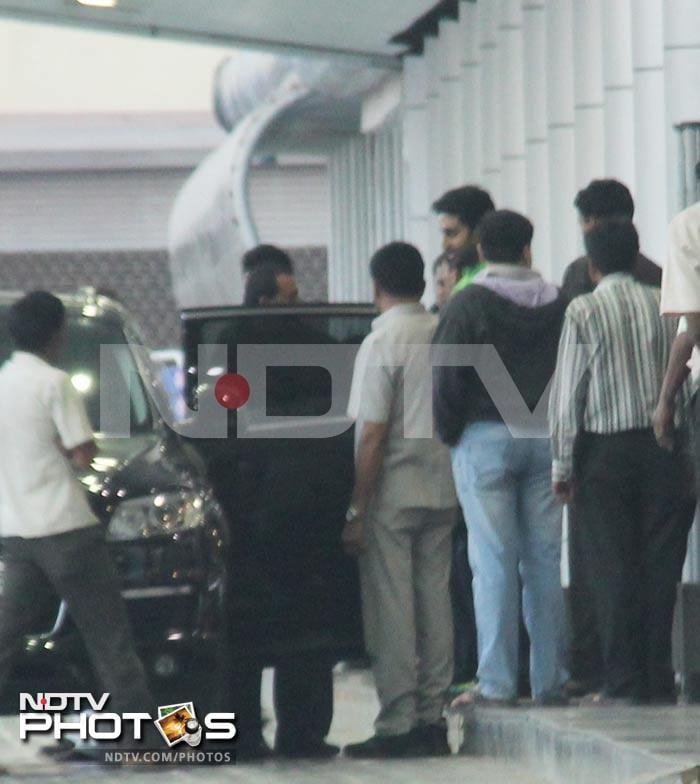 Sanjay Dutt meets Big B at hospital