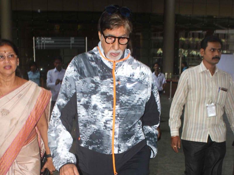 Photo : जब बॉलीवुड के सितारों से चमक उठा एयरपोर्ट
