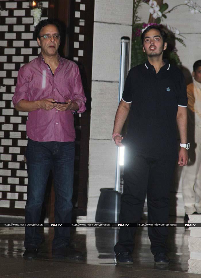 Salman, Aamir Party on Saturday Night