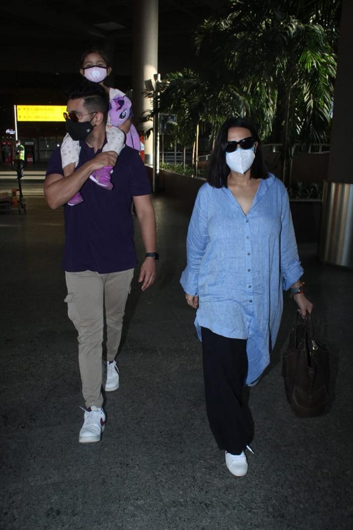 Ananya Panday And Neha Dhupia\'s Easy, Breezy Airport Looks