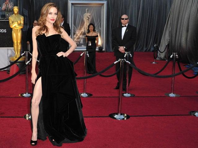 10 Reasons Why Angelina Wears Black