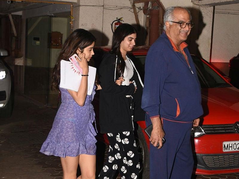 Janhvi, Khushi And Boney Kapoor Made Anshula's Birthday Special
