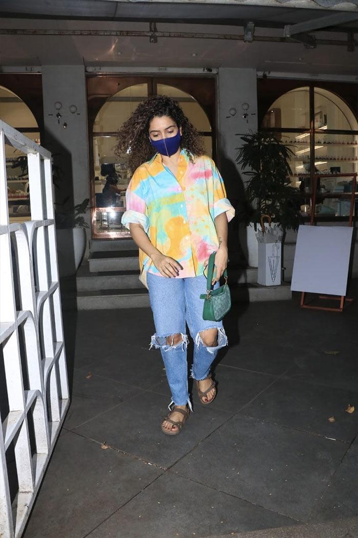 Anushka, Sanya And Nikki\'s Fashion Diaries