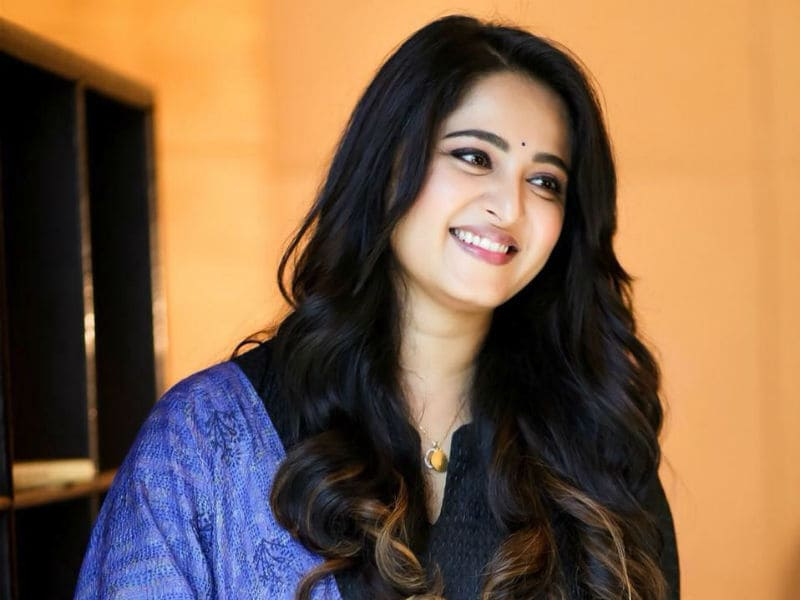 Happy Birthday, Anushka Shetty. Charming @ 36